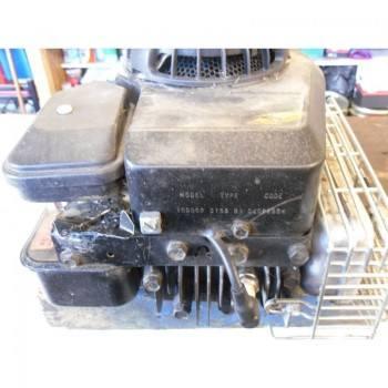 MOTEUR BRIGGS & STRATTON 10D902 - 3.75 HP (1)